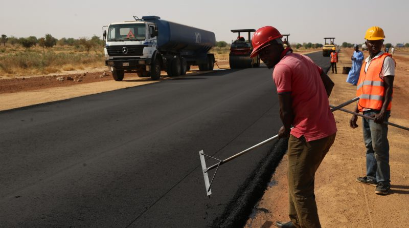 Fashola Inspects Highway Projects in Yobe and Borno States